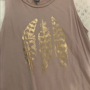 pink tank w gold feathers